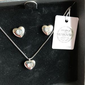 Nic & Syd - Swarovski Necklace and Earring Set